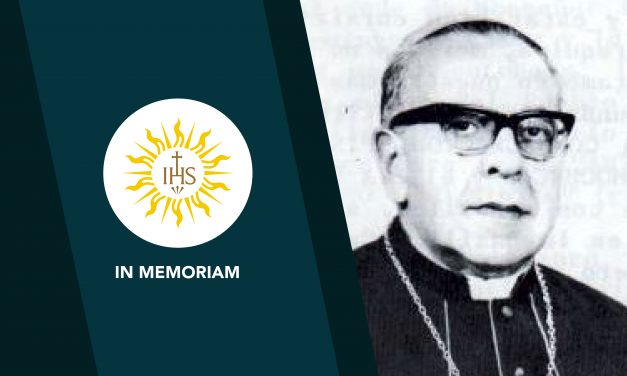 Mons. Fernando Vargas Ruiz de Somocurcio, SJ